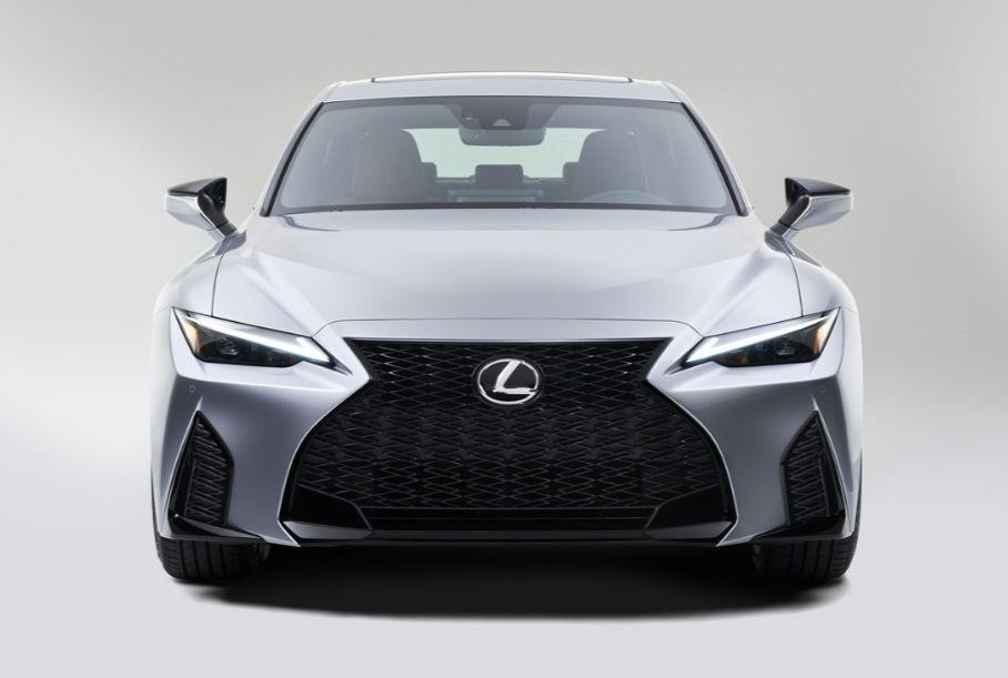 В Сеть слили фото Lexus IS четвертого поколения (ФОТО, ВИДЕО)